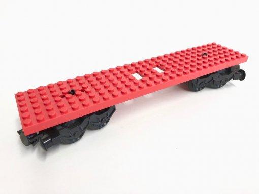 4093a - Waggon 6 x 28 mit 2 Ausschnitten und 3 Löchern an den Enden - rot