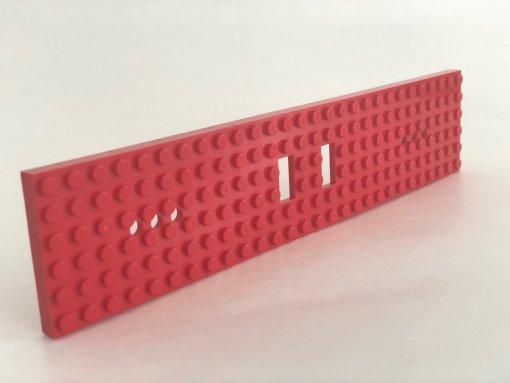 LEGO 92088 Zugplatte 6 x 24 mit 2 quadratischen Ausschnitten und drei runden Löchern an den Enden